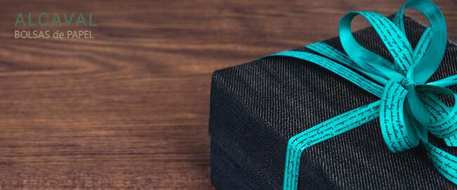 Formas de envolver regalos (con papel de regalo)